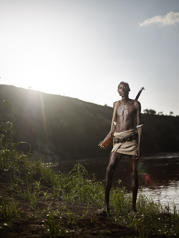 Akeri patrols the Western side of the Omo River. The Nyangatom live on the other side, a tribe that has raided Karo land many times in the past.