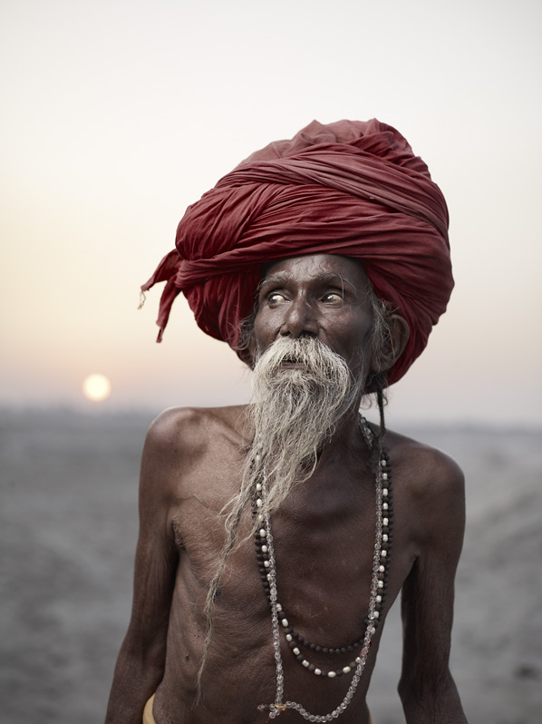 When he was young, Lal Baba's parents arranged a marriage for him. Uncertain about his future, he ran away from home in Bihar Siwan and took up the lifelong task of becoming a sadhu. Varanasi, India